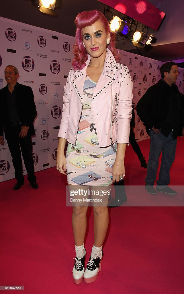 <a gi-track='captionPersonalityLinkClicked' href=/galleries/search?phrase=Katy+Perry&family=editorial&specificpeople=599558 ng-click='$event.stopPropagation()'>Katy Perry</a> attends the MTV Europe Music Awards 2011 at Odyssey Arena on November 6, 2011 in Belfast, Northern Ireland.