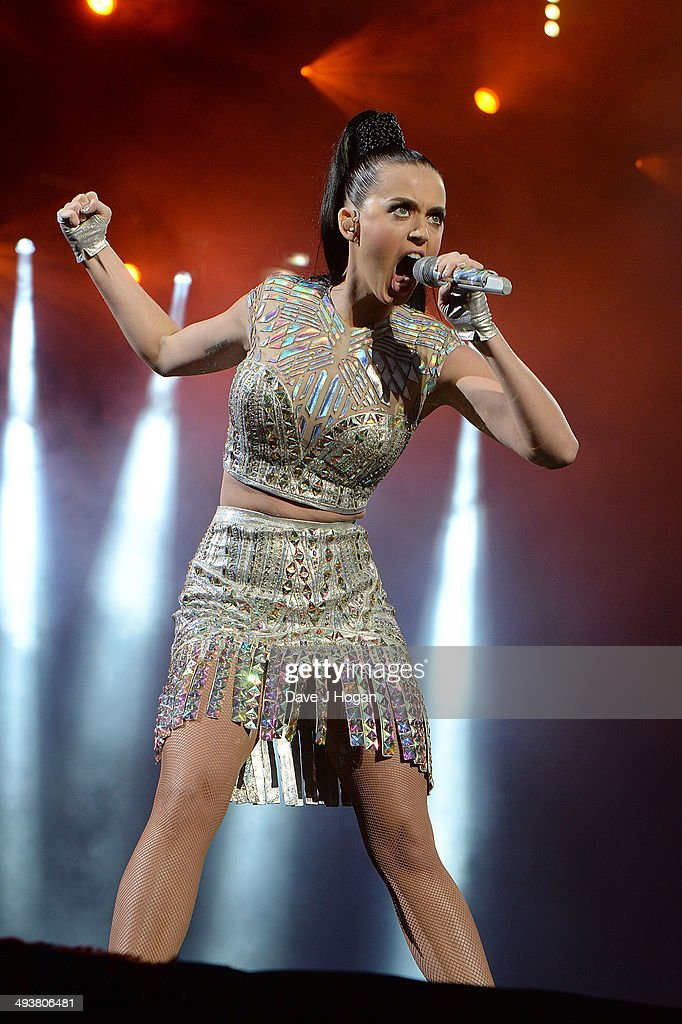 <a gi-track='captionPersonalityLinkClicked' href=/galleries/search?phrase=Katy+Perry&family=editorial&specificpeople=599558 ng-click='$event.stopPropagation()'>Katy Perry</a> performs live at Radio 1's Big Weekend at Glasgow Green on May 25, 2014 in Glasgow, Scotland.