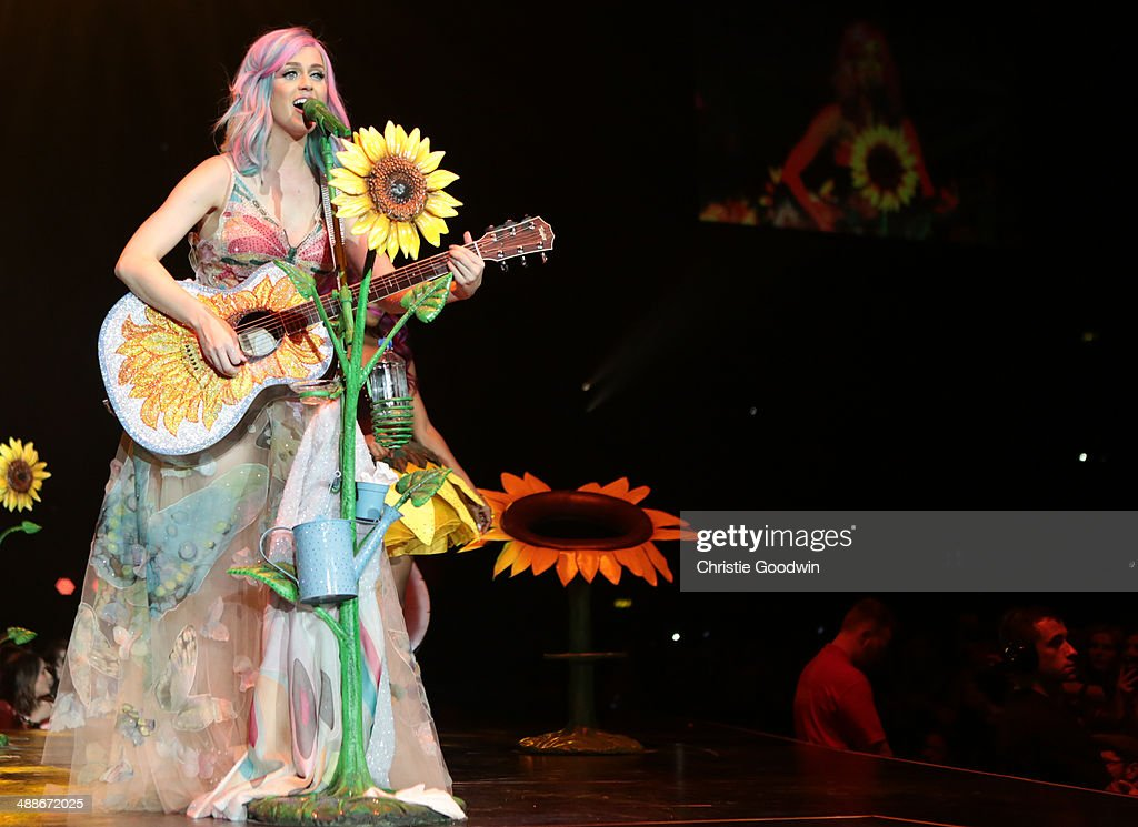 <a gi-track='captionPersonalityLinkClicked' href=/galleries/search?phrase=Katy+Perry&family=editorial&specificpeople=599558 ng-click='$event.stopPropagation()'>Katy Perry</a> performs on stage on the opening night of her Prismatic World Tour at Odyssey Arena on May 7, 2014 in Belfast, Northern Ireland.