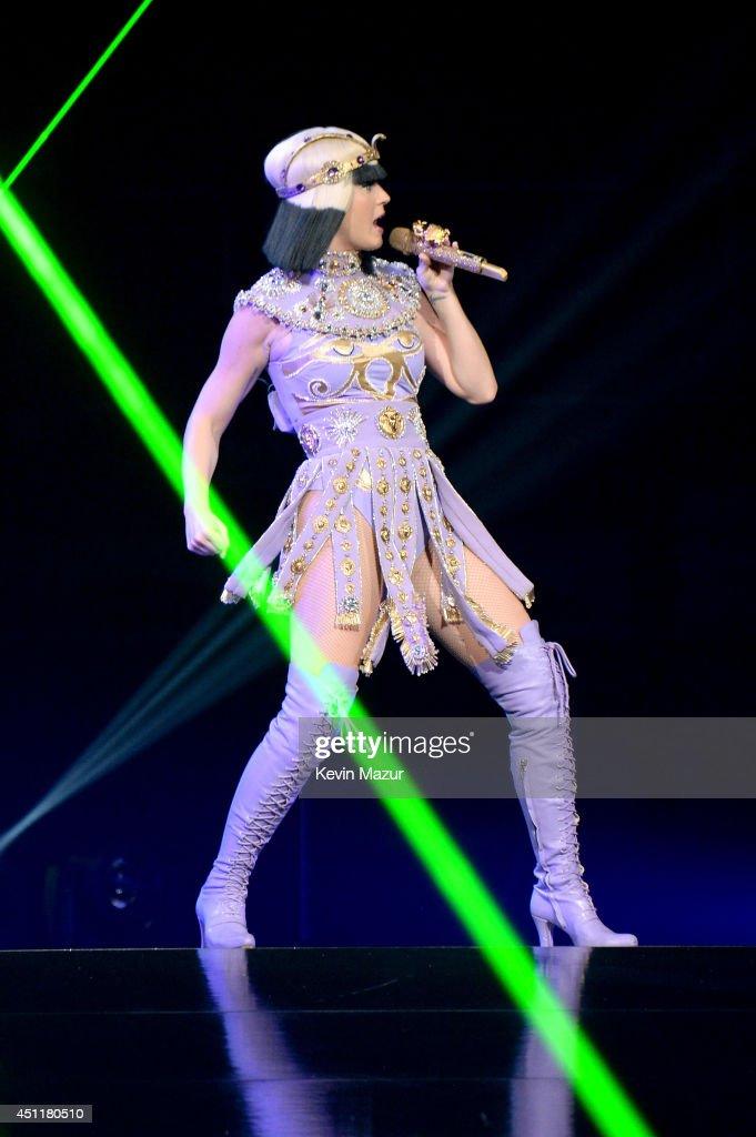 """Katy Perry """"The Prismatic World Tour"""" - Washington D.C ... Katy Perry Tour"""