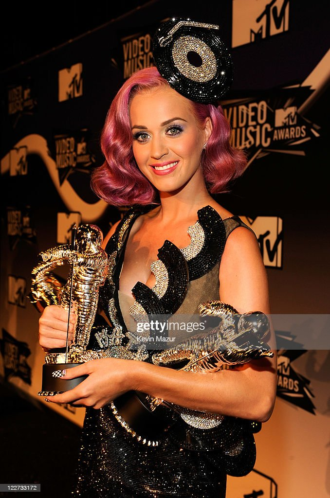 <a gi-track='captionPersonalityLinkClicked' href=/galleries/search?phrase=Katy+Perry&family=editorial&specificpeople=599558 ng-click='$event.stopPropagation()'>Katy Perry</a> poses in the press room at the The 28th Annual MTV Video Music Awards at Nokia Theatre L.A. LIVE on August 28, 2011 in Los Angeles, California.