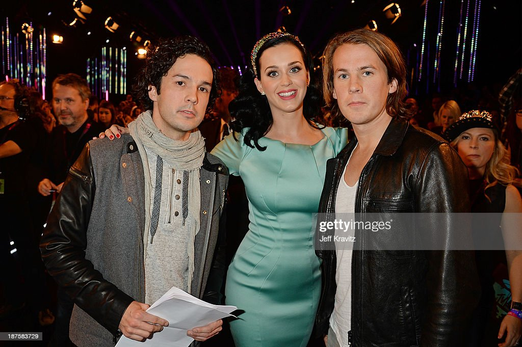 <a gi-track='captionPersonalityLinkClicked' href=/galleries/search?phrase=Katy+Perry&family=editorial&specificpeople=599558 ng-click='$event.stopPropagation()'>Katy Perry</a> poses with Bard Ylvisaker and Vegard Ylvisaker of Ylvis pose as they attend the MTV EMA's 2013 at the Ziggo Dome on November 10, 2013 in Amsterdam, Netherlands.