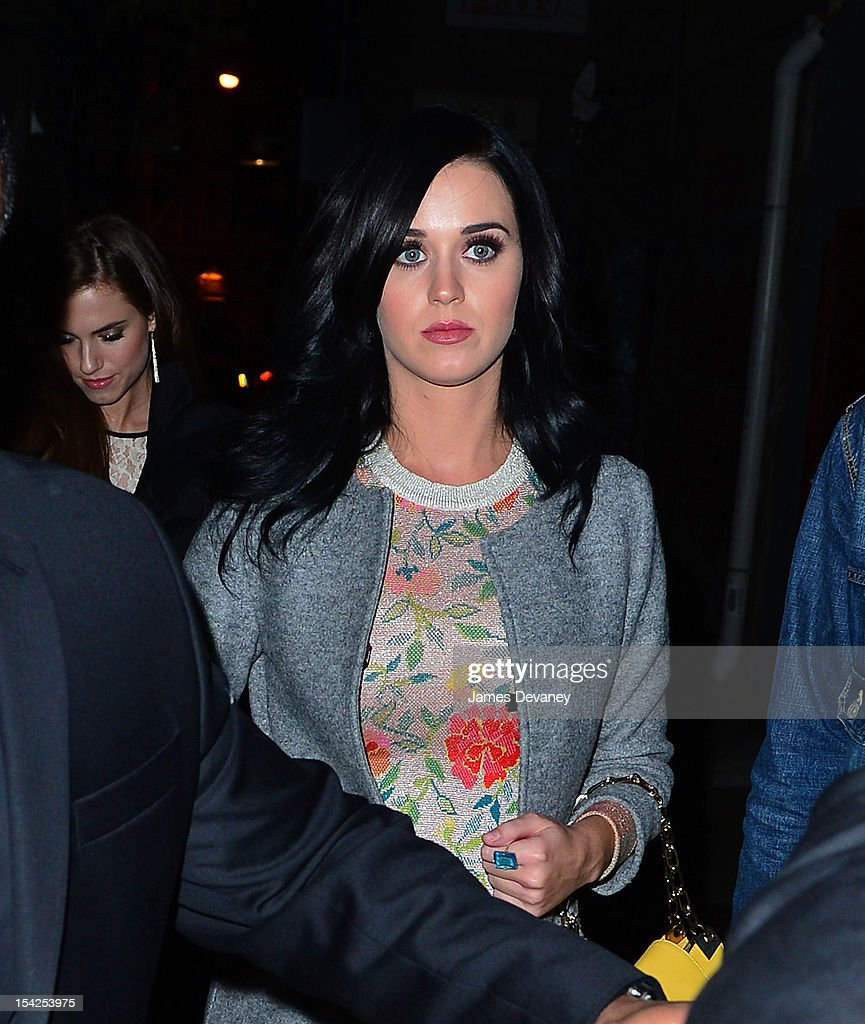 <a gi-track='captionPersonalityLinkClicked' href=/galleries/search?phrase=Katy+Perry&family=editorial&specificpeople=599558 ng-click='$event.stopPropagation()'>Katy Perry</a> seen on the streets of Manhattan on October 16, 2012 in New York City.
