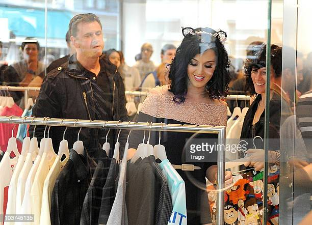 Katy Perry sighted while shopping at Colette Concept Store on August 31 2010 in Paris France