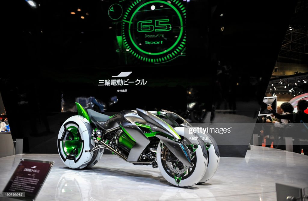 Kawasaki's J Three Wheeler EV Concept motorcycle is displayed during the 43rd Tokyo Motor Show 2013 at Tokyo Big Sight on November 20, 2013 in Tokyo, Japan. The 43rd Tokyo Motor Show 2013 will be open to public from November 22nd to December 1st, 2013.