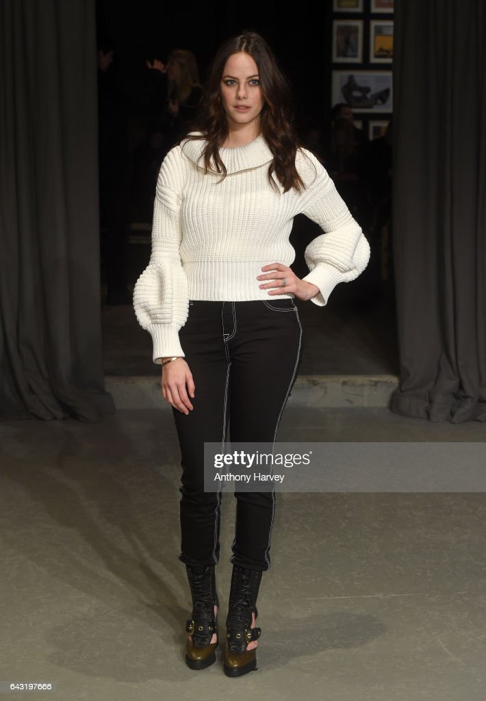 kaya-scodelario-attends-the-burberry-show-during-the-london-fashion-picture-id643197666
