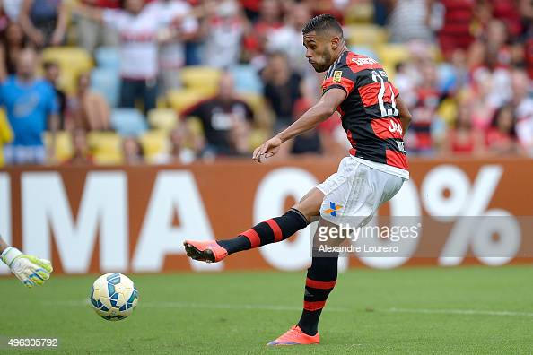 Kayke of Flamengo in action during the match between Flamengo and Goias as part of Brasileirao Series A 2015 at Maracana Stadium on November 8 2015...