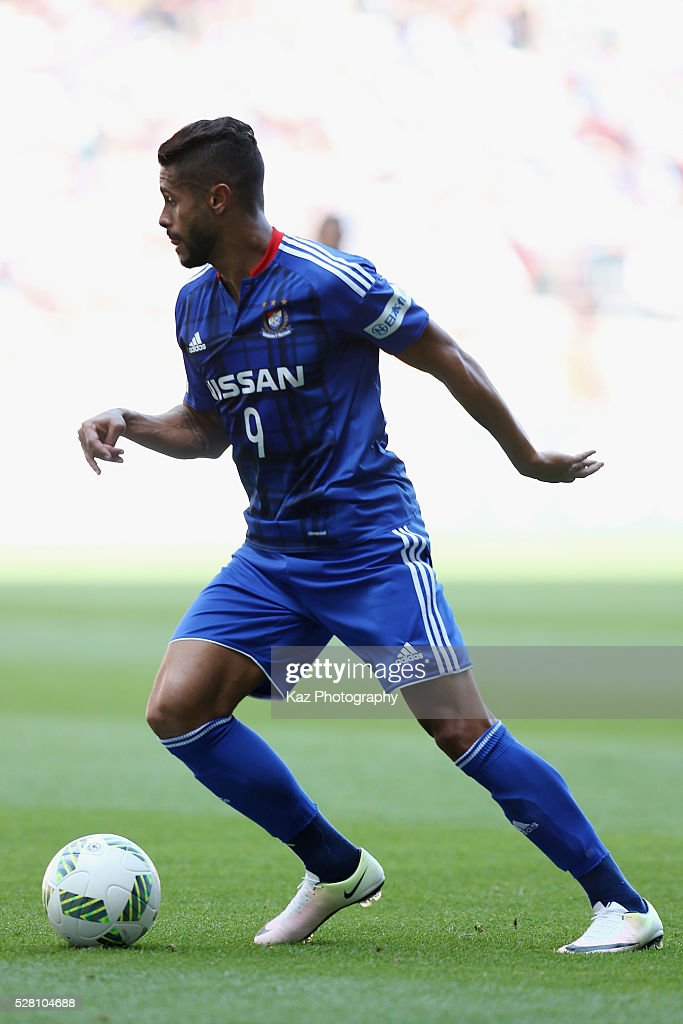 Kayke Rodrigues of Yokohama F.Marinos in action during the J.League match between Nagoya Grampus and Yokohama F.Marinos at the Toyota Stadium on May 4, 2016 in Toyota, Aichi, Japan.