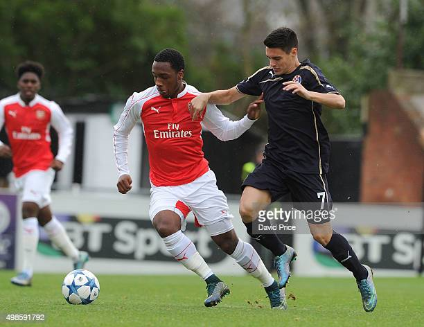 Kaylen Hinds of Arsenal holds off Josip Brekalo of Zagreb during the match between Arsenal U19 and Dinamo Zagreb U19 in the UEFA Youth League on...