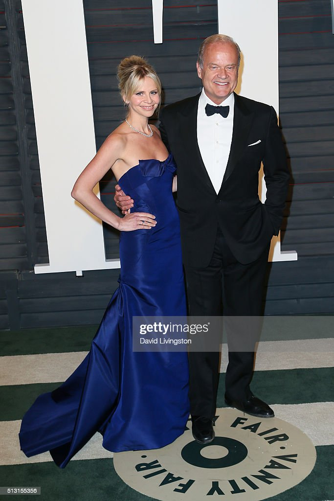 Kayte Grammer (L) and actor Kelsey Grammer arrive at the 2016 Vanity Fair Oscar Party Hosted by Graydon Carter at the Wallis Annenberg Center for the Performing Arts on February 28, 2016 in Beverly Hills, California.