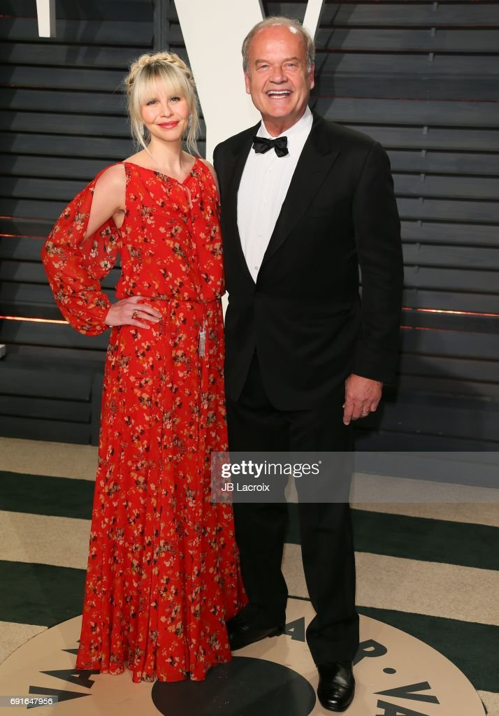 Kayte Walsh and Kelsey Grammer attend the 2017 Vanity Fair Oscar Party hosted by Graydon Carter at Wallis Annenberg Center for the Performing Arts on February 26, 2017 in Beverly Hills, California.