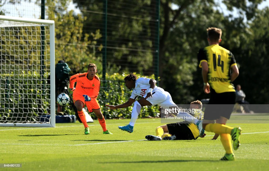 Kazaiah Sterling of Tottenham Hotspur heads a shot at goal during the UEFA Youth Champions League group H match between Tottenham Hotspur and Borussia Dortmund on September 13, 2017 in Enfield, United Kingdom.
