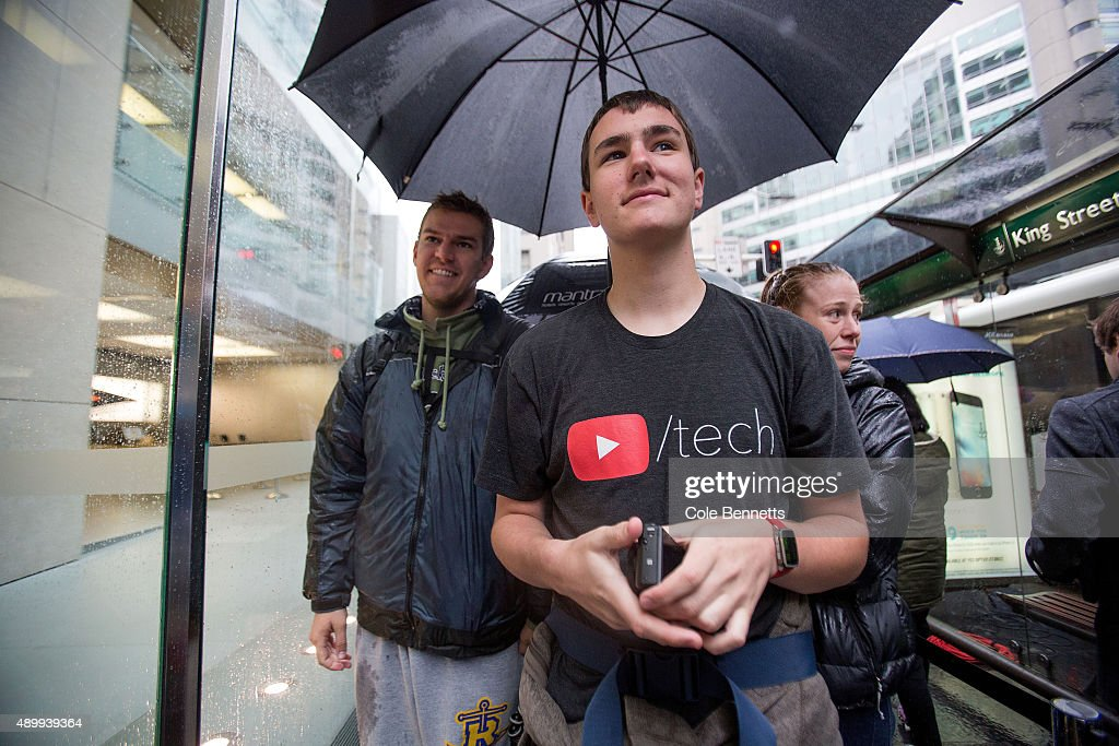 Keaton Keller who travelled from Chicago lines up to be one of the first to get the iPhone 6s and 6s Plus at Apple Store on September 25 2015 in...