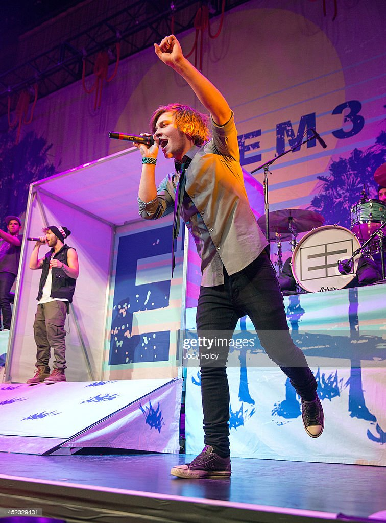 <a gi-track='captionPersonalityLinkClicked' href=/galleries/search?phrase=Keaton+Stromberg&family=editorial&specificpeople=9720341 ng-click='$event.stopPropagation()'>Keaton Stromberg</a> (R) of Emblem3 performs onstage at Bankers Life Fieldhouse on November 19, 2013 in Indianapolis, Indiana.