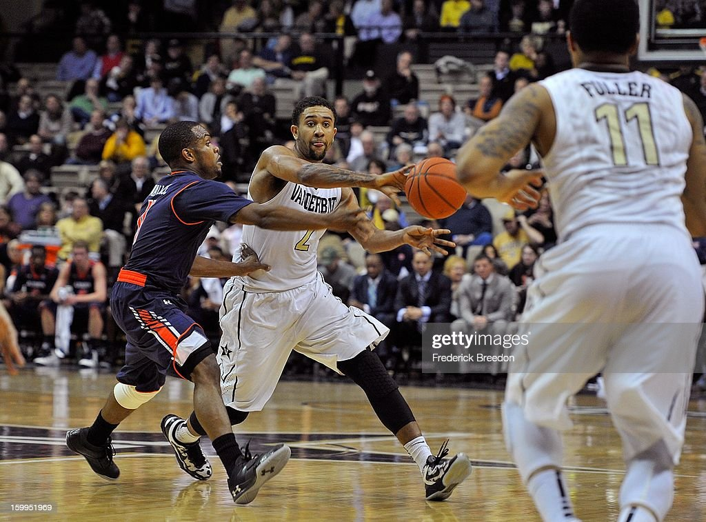 Kedren Johnson #2 of the Vanderbilt Commodores passes to teammate Kyle Fuller #11 against the Auburn Tigers at Memorial Gym on January 23, 2013 in Nashville, Tennessee.