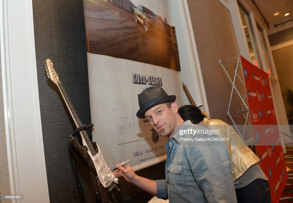 <a gi-track='captionPersonalityLinkClicked' href=/galleries/search?phrase=Keifer+Thompson&family=editorial&specificpeople=7618627 ng-click='$event.stopPropagation()'>Keifer Thompson</a> of music group Thompson Square attends the Dial Global Radio Remotes during the 48th Annual Academy of Country Music Awards at MGM Grand Garden Arena on April 6, 2013 in Las Vegas, Nevada.