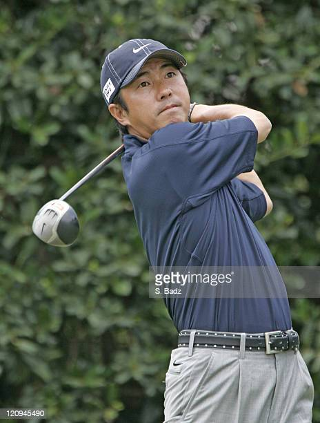 Keiichiro Fukabori tees off on the first hole during the final round of the 2005 US Open Golf Championship at Pinehurst Resort course 2 in Pinehurst...