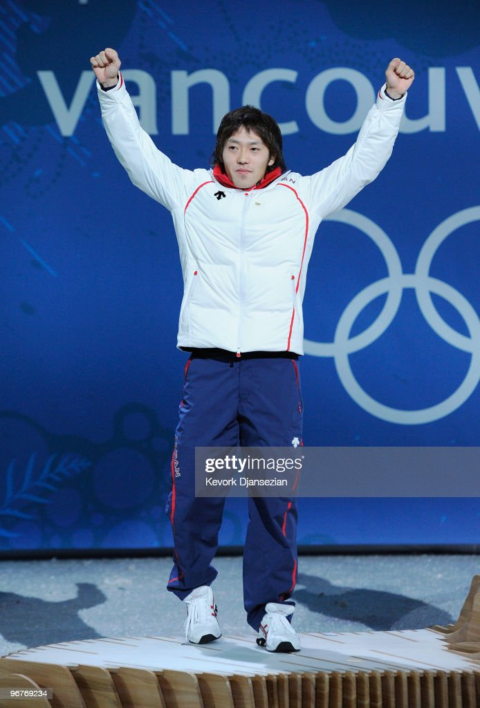 <a gi-track='captionPersonalityLinkClicked' href=/galleries/search?phrase=Keiichiro+Nagashima&family=editorial&specificpeople=818808 ng-click='$event.stopPropagation()'>Keiichiro Nagashima</a> of Japan celebrates winning the silver medal during the medal cermony for the Men's 500m Speed Skating on day 5 of the Vancouver 2010 Winter Olympics at BC Place on February 16, 2010 in Vancouver, Canada.