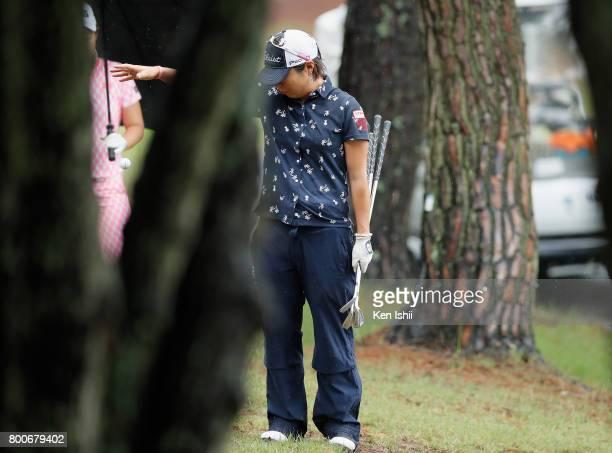 Keiko Sasaki of Japan drops the ball on the 18th hole during the final round of the Yupiteru The Shizuoka Shimbun SBS Ladies at the Shizuoka Country...