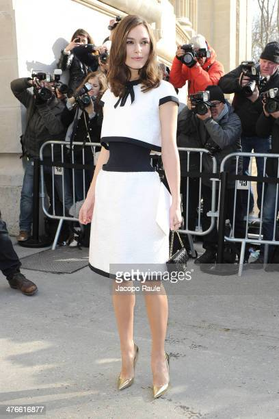 Keira Knightley arrives at Chanel 2014/2015 Autumn/Winter readytowear collection fashion show on March 4 2014 in Paris France