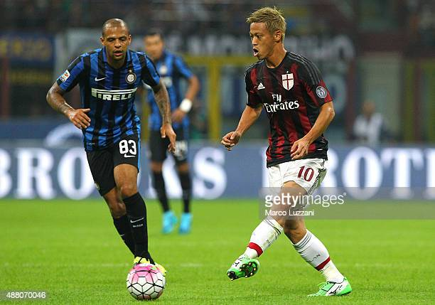 Keisuke Honda of AC Milan in action during the Serie A match between FC Internazionale Milano and AC Milan at Stadio Giuseppe Meazza on September 13...