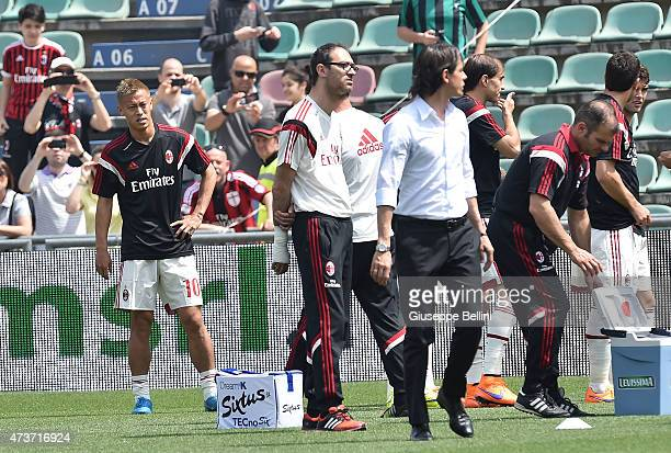 Keisuke Honda of Milan in action before the Serie A match between US Sassuolo Calcio and AC Milan on May 17 2015 in Reggio nell'Emilia Italy