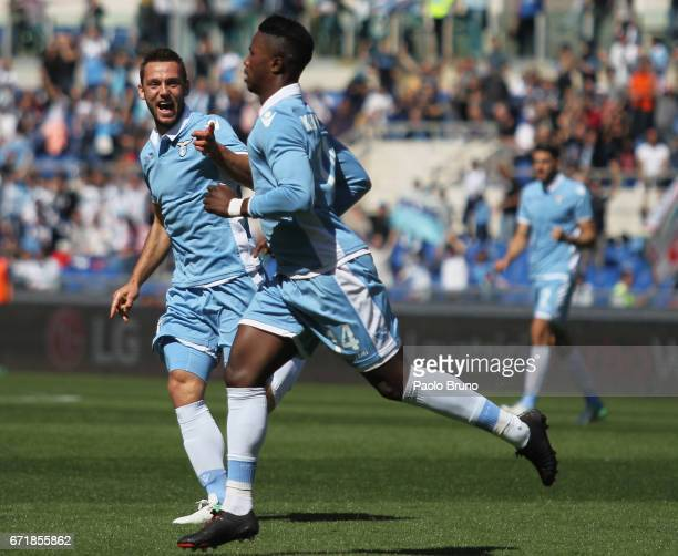 Keita Balde with his teammates of SS Lazio celebrates after scoring the team's third goal during the Serie A match between SS Lazio and US Citta di...