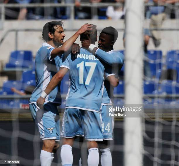 Keita Balde with his teammates of SS Lazio celebrates after scoring the team's fifth goal during the Serie A match between SS Lazio and US Citta di...