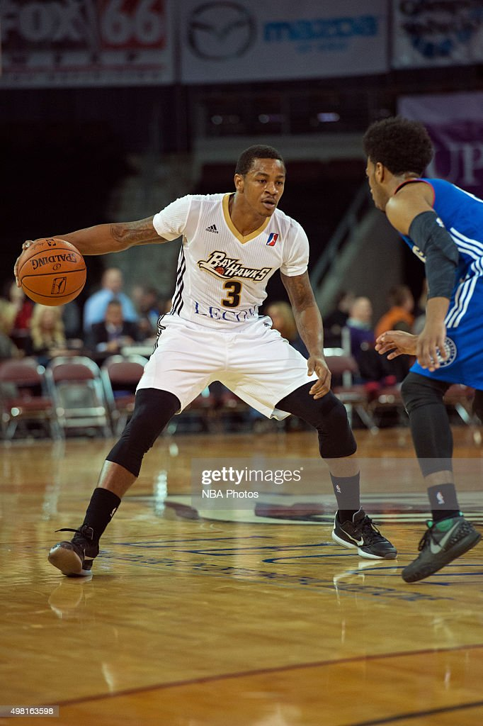 Keith Appling of the Erie BayHawks dribbles the ball against the Delaware 87ers at the Erie Insurance Arena on November 20 2015 NOTE TO USER User...