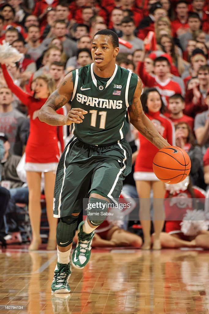 Keith Appling #11 of the Michigan State Spartans controls the ball against the Ohio State Buckeyes on February 24, 2013 at Value City Arena in Columbus, Ohio.