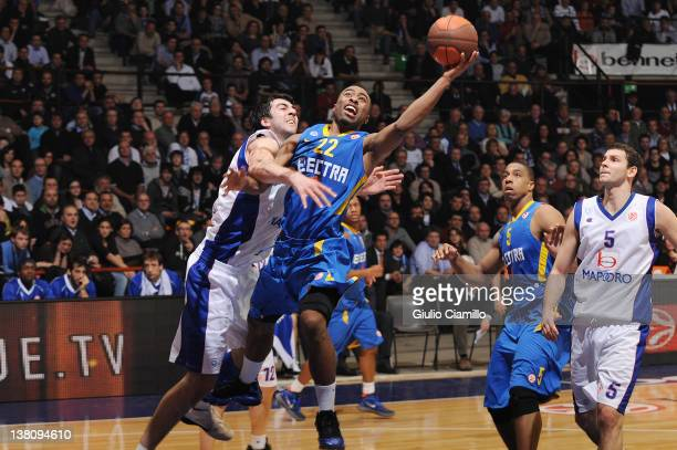 Keith Langford #22 of Maccabi Electra Tel Aviv in action during the 20112012 Turkish Airlines Euroleague TOP 16 Game Day 3 between Bennet Cantu and...
