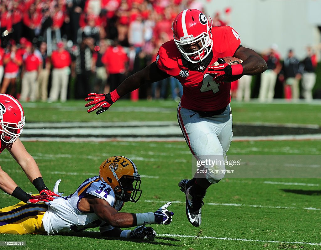 Keith Marshall #4 of the Georgia Bulldogs carries the ball against the LSU Tigers at Sanford Stadium on September 28, 2013 in Athens, Georgia.