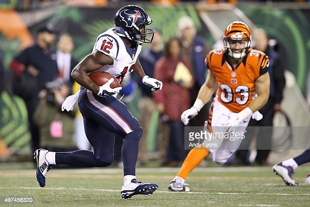 Keith Mumphery of the Houston Texans returns a kick during the second quarter of the game against the Cincinnati Bengals at Paul Brown Stadium on...