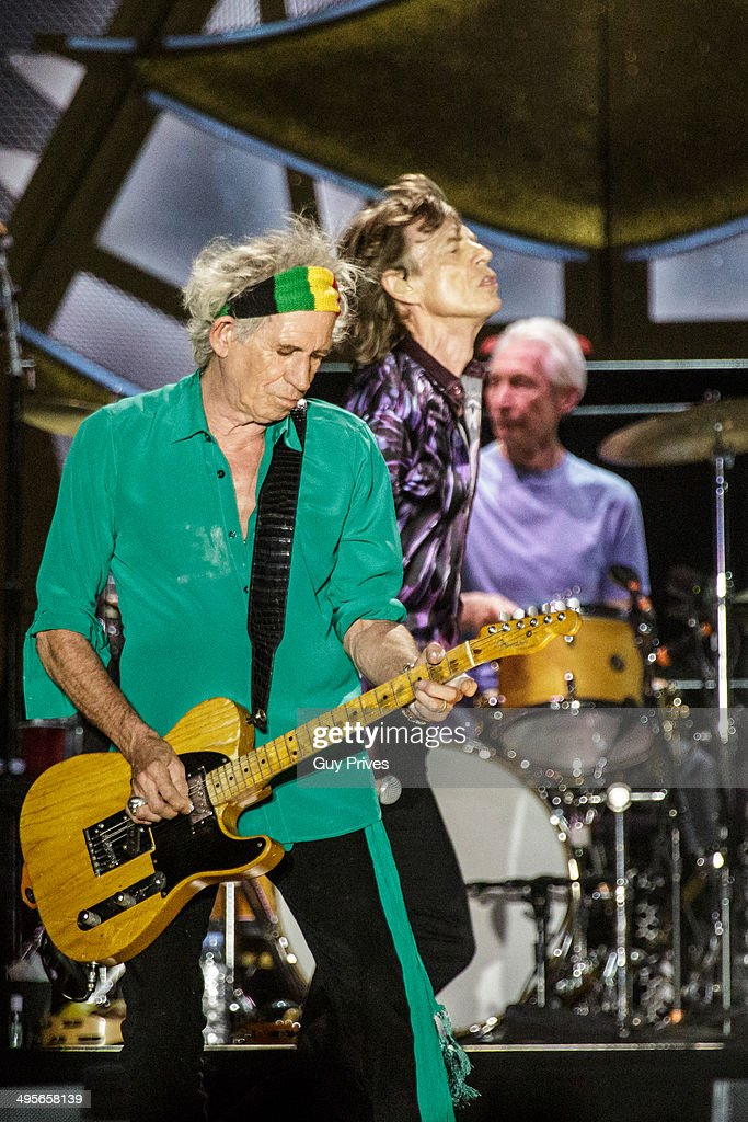 <a gi-track='captionPersonalityLinkClicked' href=/galleries/search?phrase=Keith+Richards+-+Musician&family=editorial&specificpeople=202882 ng-click='$event.stopPropagation()'>Keith Richards</a> and <a gi-track='captionPersonalityLinkClicked' href=/galleries/search?phrase=Mick+Jagger&family=editorial&specificpeople=201786 ng-click='$event.stopPropagation()'>Mick Jagger</a> and <a gi-track='captionPersonalityLinkClicked' href=/galleries/search?phrase=Charlie+Watts&family=editorial&specificpeople=213325 ng-click='$event.stopPropagation()'>Charlie Watts</a> of The Rolling Stones perform on stage at Park HaYarkon on June 4, 2014 in Tel Aviv, Israel.