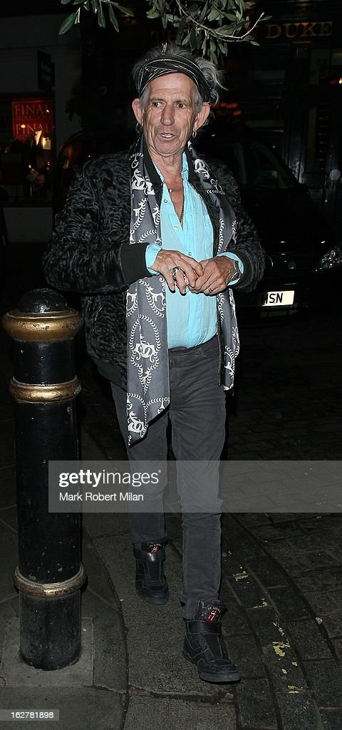<a gi-track='captionPersonalityLinkClicked' href=/galleries/search?phrase=Keith+Richards+-+Musician&family=editorial&specificpeople=202882 ng-click='$event.stopPropagation()'>Keith Richards</a> at Le Petit Mason restaurant on February 26, 2013 in London, England.