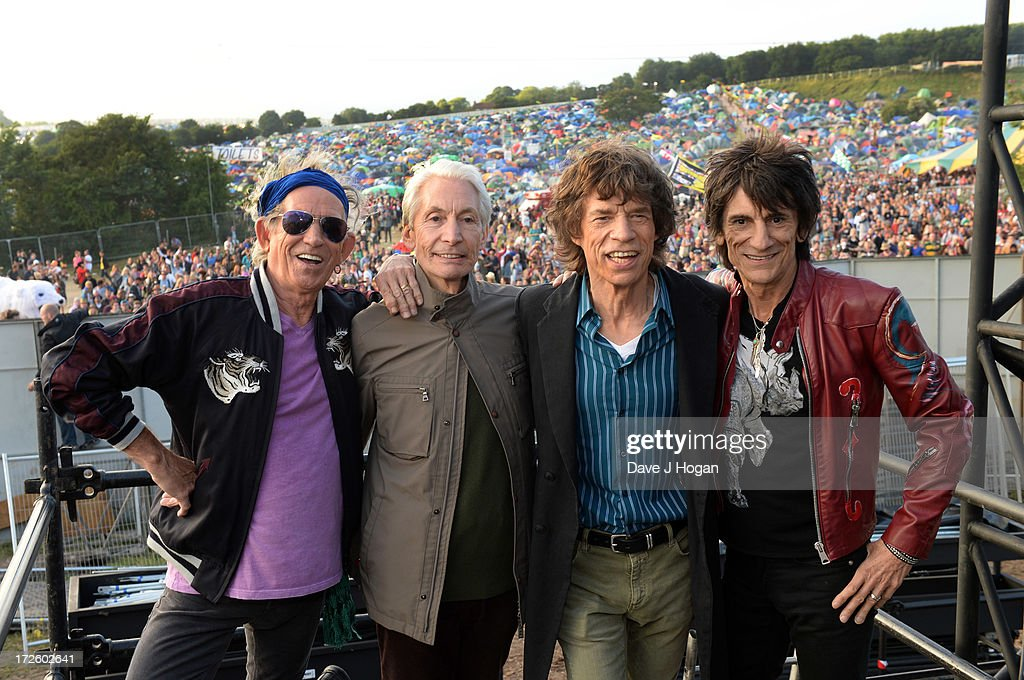 <a gi-track='captionPersonalityLinkClicked' href=/galleries/search?phrase=Keith+Richards+-+Musician&family=editorial&specificpeople=202882 ng-click='$event.stopPropagation()'>Keith Richards</a>, Charlie watts, <a gi-track='captionPersonalityLinkClicked' href=/galleries/search?phrase=Mick+Jagger&family=editorial&specificpeople=201786 ng-click='$event.stopPropagation()'>Mick Jagger</a> and Ronnie Wood of The Rolling Stones pose backstage ahead of their headlining performance on day 3 of the 2013 Glastonbury Festival at Worthy Farm on June 29, 2013 in Glastonbury, England.