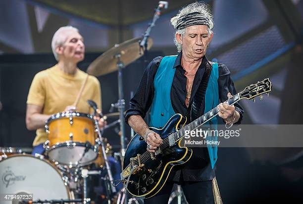 Keith Richards of the Rolling Stones performs at the Indianapolis Motor Speedway on July 4 2015 in Indianapolis Indiana