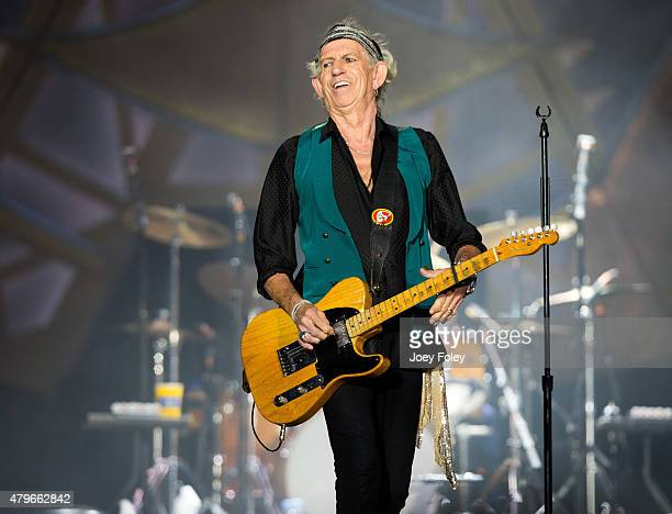 Keith Richards of The Rolling Stones performs live onstage at The Indianapolis Motor Speedway on July 4 2015 in Indianapolis Indiana