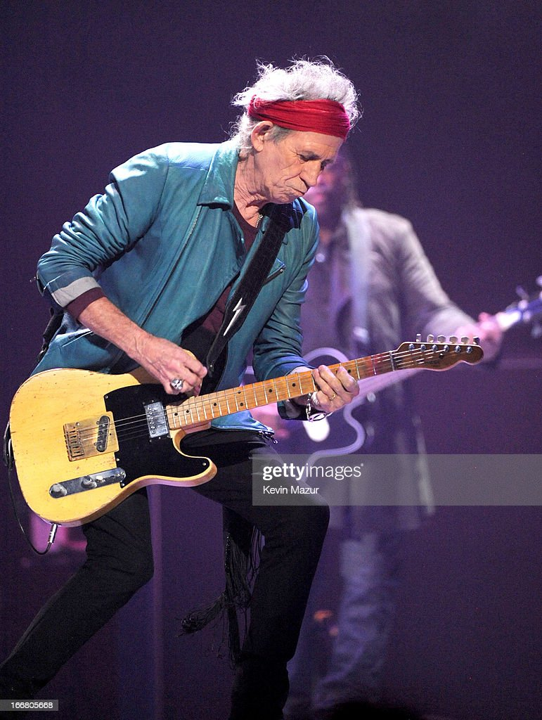 <a gi-track='captionPersonalityLinkClicked' href=/galleries/search?phrase=Keith+Richards+-+Musician&family=editorial&specificpeople=202882 ng-click='$event.stopPropagation()'>Keith Richards</a> of The Rolling Stones performs on stage at Barclays Center of Brooklyn on December 8, 2012 in New York City. (EDITORIAL USE ONLY)