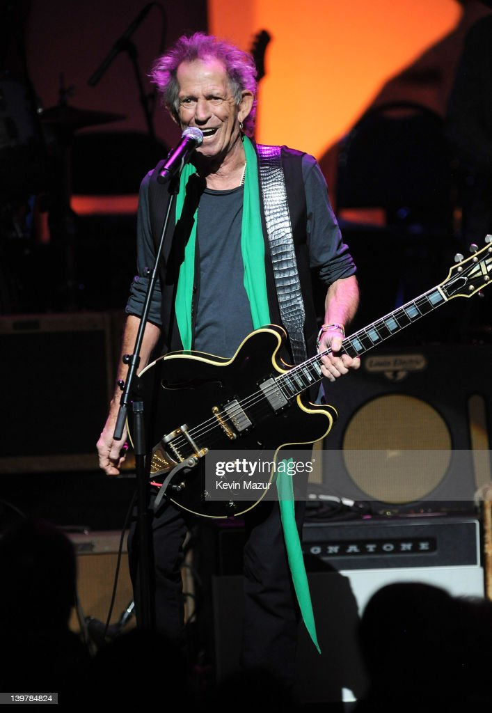 <a gi-track='captionPersonalityLinkClicked' href=/galleries/search?phrase=Keith+Richards+-+Musician&family=editorial&specificpeople=202882 ng-click='$event.stopPropagation()'>Keith Richards</a> performs on stage during Howlin For Hubert: A Concert to Benefit the Jazz Foundation of America at The Apollo Theater on February 24, 2012 in New York City.