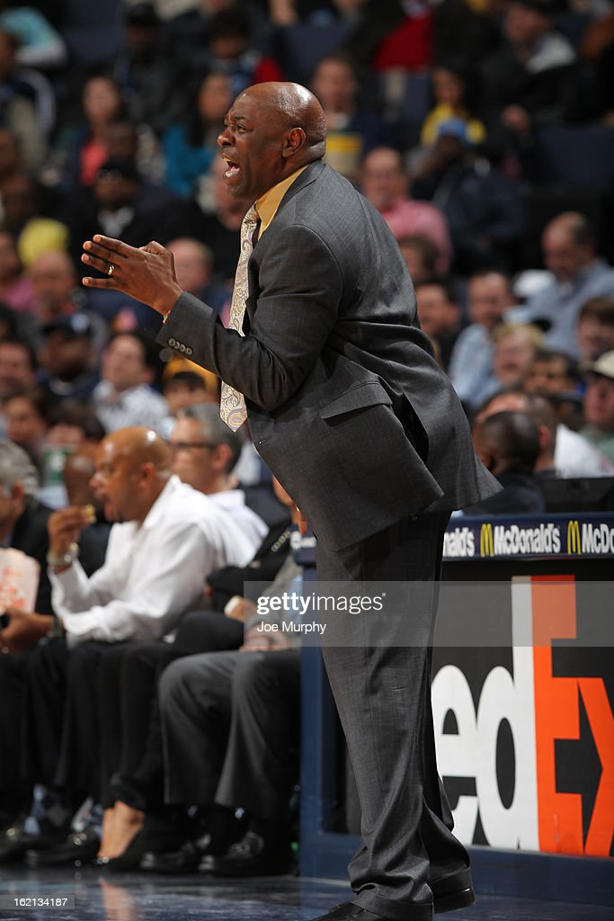 <a gi-track='captionPersonalityLinkClicked' href=/galleries/search?phrase=Keith+Smart&family=editorial&specificpeople=182522 ng-click='$event.stopPropagation()'>Keith Smart</a> of the Sacramento Kings calls out a play during the game against the Memphis Grizzlies on February 12, 2013 at FedExForum in Memphis, Tennessee.