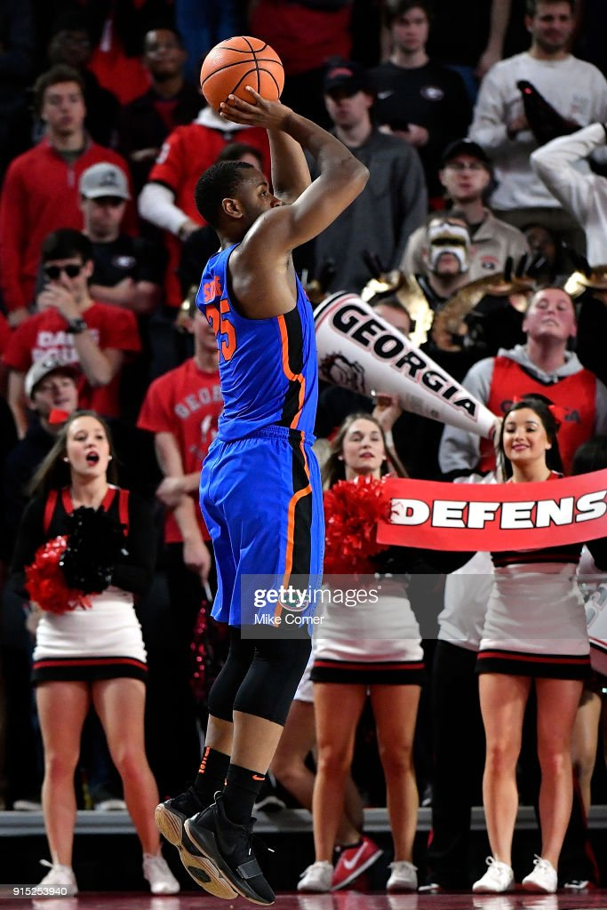 Keith Stone #25 of the Florida Gators pulls up for a jump shot against the Georgia Bulldogs during the basketball game at Stegeman Coliseum on January 30, 2018 in Athens, Georgia.