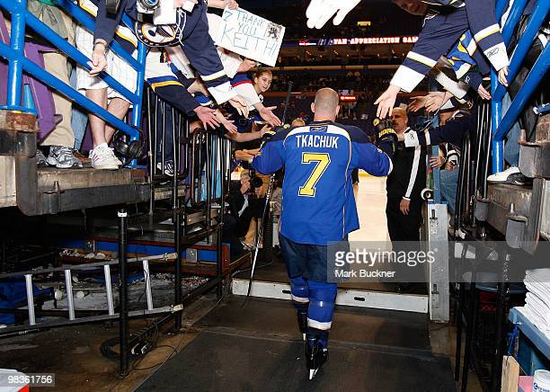 Keith Tkachuk of the St Louis Blues walks on to the ice for warm ups before a game against the Anaheim Ducks on April 9 2010 at Scottrade Center in...