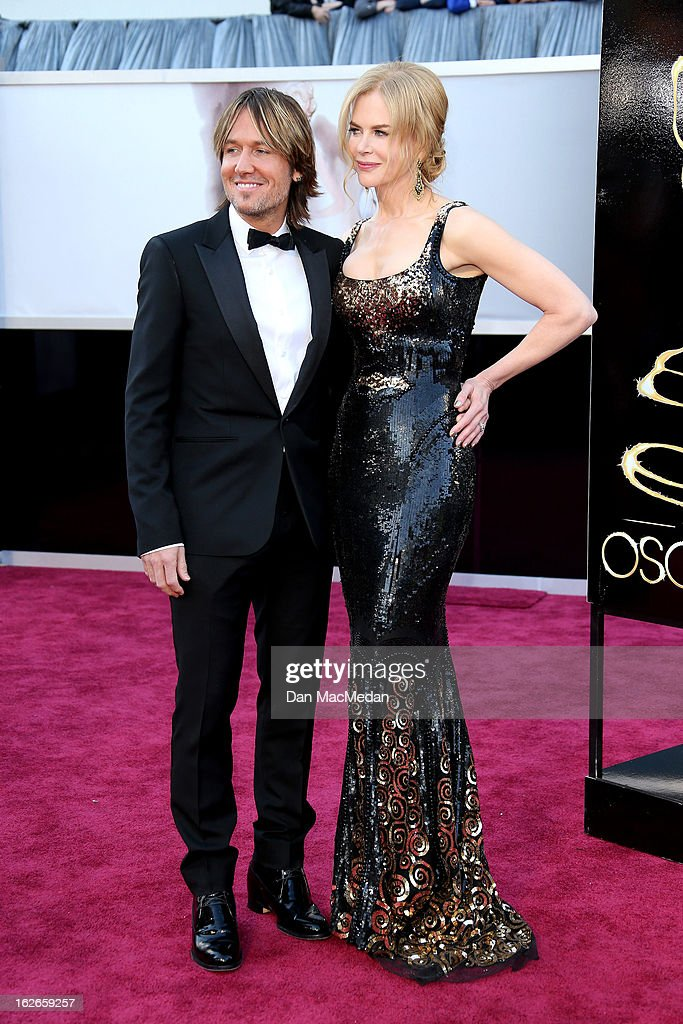 Keith Urban and Nicole Kidman arrive at the 85th Annual Academy Awards at Hollywood & Highland Center on February 24, 2013 in Hollywood, California.