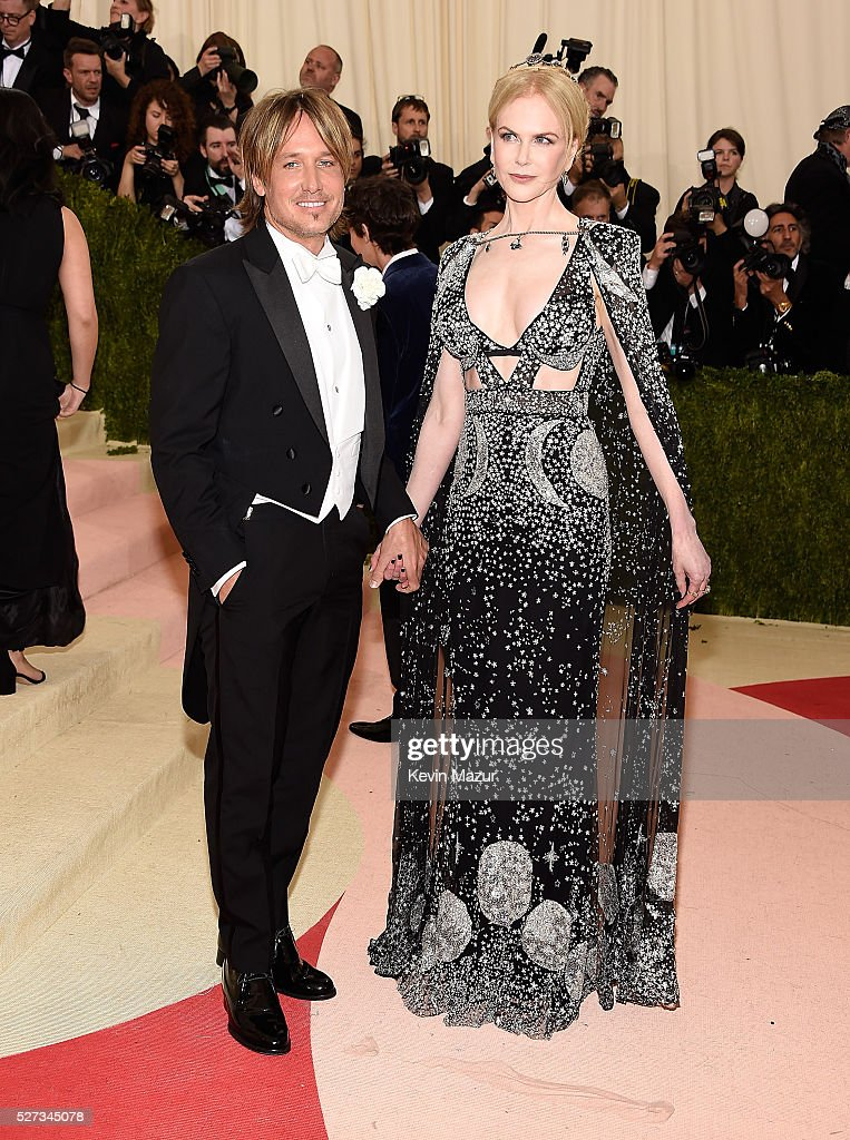 Keith Urban and Nicole Kidman attend 'Manus x Machina: Fashion In An Age Of Technology' Costume Institute Gala at Metropolitan Museum of Art on May 2, 2016 in New York City.