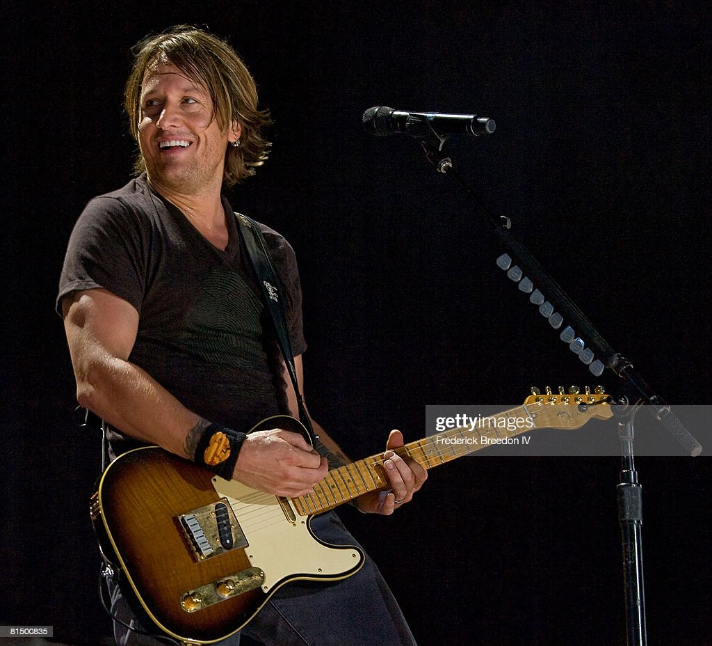 Keith Urban performs at the VAULT Concert Stages during the 2008 CMA Music Festival on June 6, 2008 at LP Field in Nashville, Tennessee.