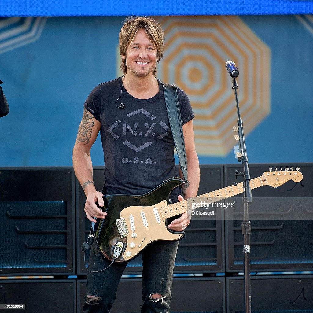 <a gi-track='captionPersonalityLinkClicked' href=/galleries/search?phrase=Keith+Urban&family=editorial&specificpeople=202997 ng-click='$event.stopPropagation()'>Keith Urban</a> performs on ABC's 'Good Morning America' at Rumsey Playfield, Central Park on July 11, 2014 in New York City.