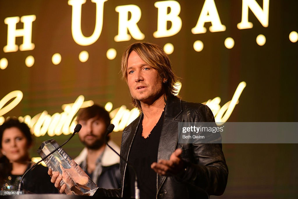 Keith Urban receives his Humanitarian Award during the Country Music Seminar at Omni Hotel on February 8, 2016 in Nashville, Tennessee.