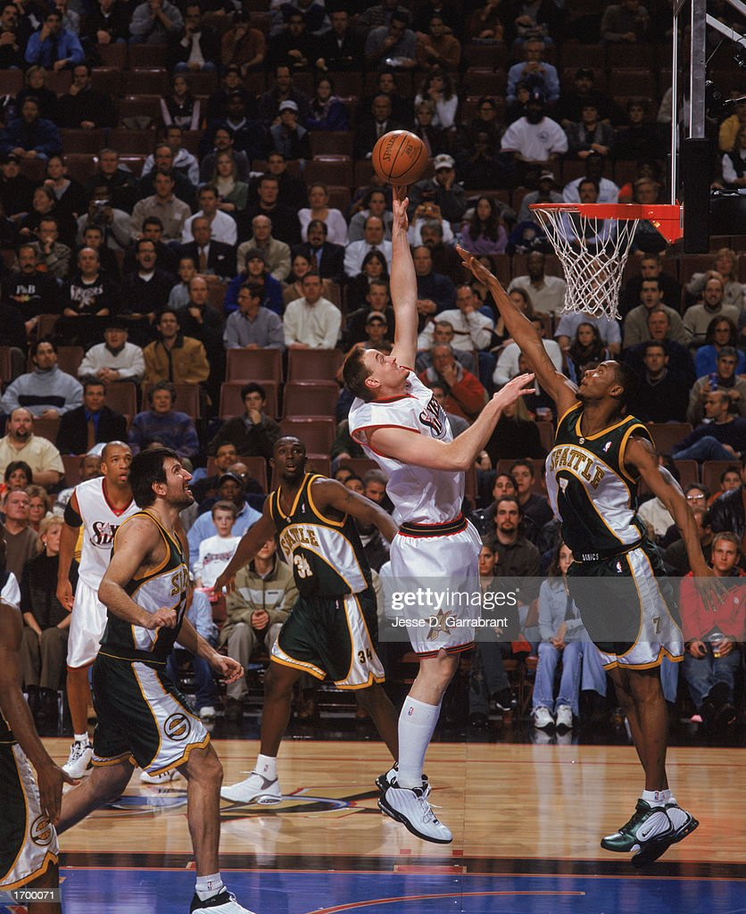 Seattle Supersonics v Philadelphia 76ers s and