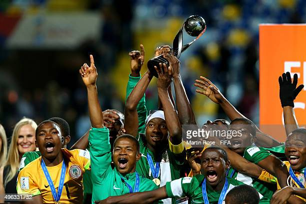 Kelechi Nwakali of Nigeria lifts the trophy the FIFA U17 Men's World Cup 2015 final match between Mali and Nigeria at Estadio Sausalito on November 8...